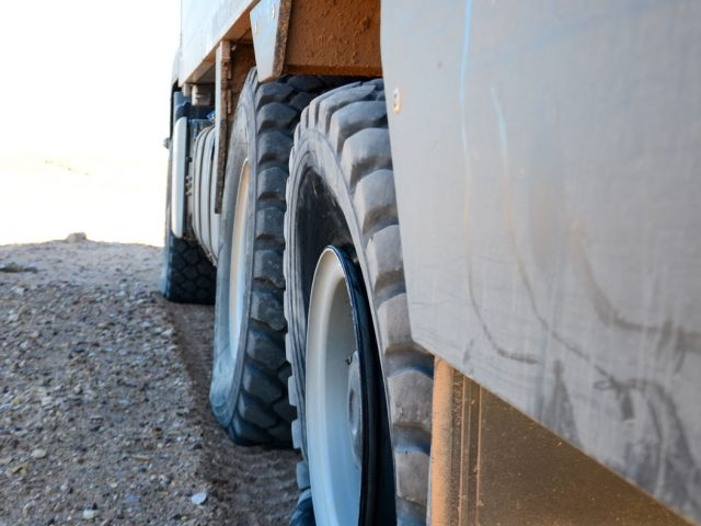 Morocco II: Something different – tire change in low sand